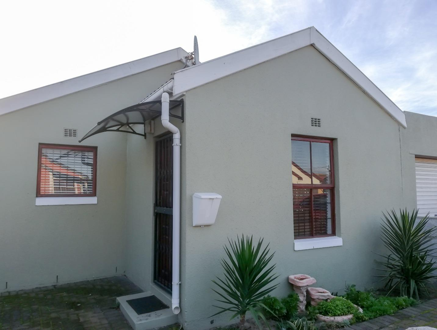 3 Bedroom House for Sale in Highbury, Kuils River - Western Cape