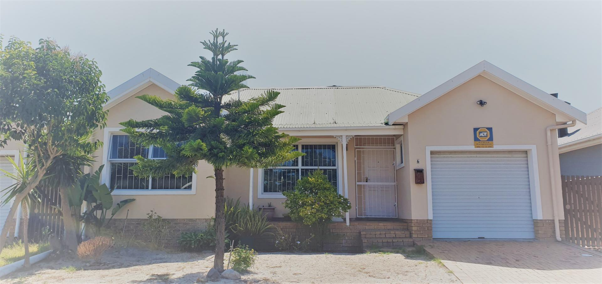 3 Bedroom Townhouse for Sale in Soneike, Kuils River - Western Cape