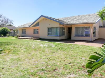4 Bedroom  for Sale in Soneike, Kuils River - Western Cape