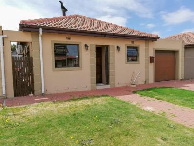 2 Bedroom House for Sale in Hagley, Kuils River - Western Cape