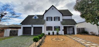 3 Bedroom House for Sale in Jakarandas, Kuils River - Western Cape