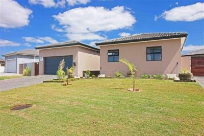 4 Bedroom House for Sale in Sonkring, Brackenfell - Western Cape